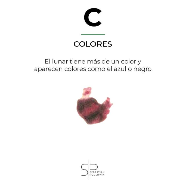 Regla del ABCDE mostrando varios colores en un lunar maligno sospechoso